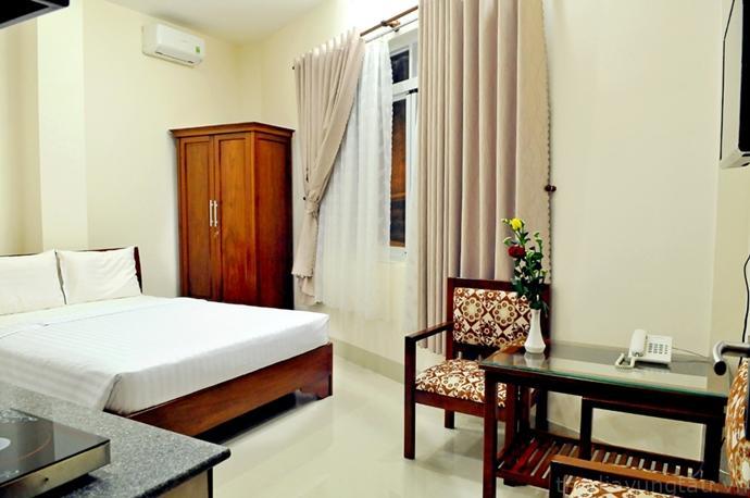 phòng ngủ ở Khách Sạn Hoa Sen