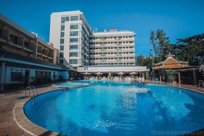 hồ bơi tại Rex Hotel
