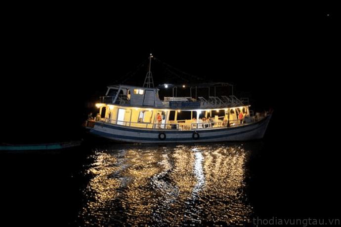 câu mực đêm Côn Đảo