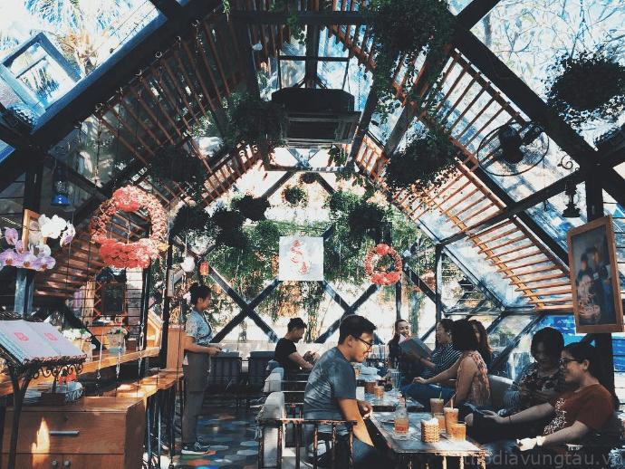 Không gian La Vie En Rose Coffee