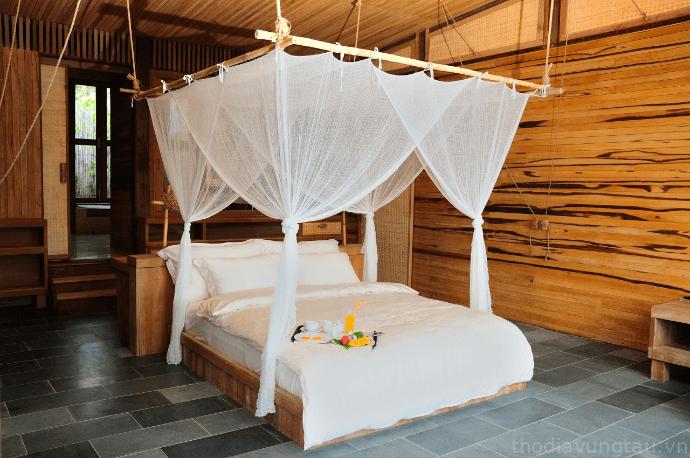 phòng ngủ six senses côn đảo