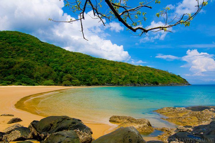 Bãi biển ở Côn Đảo