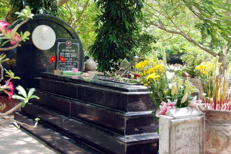 mộ cô Võ Thị Sáu