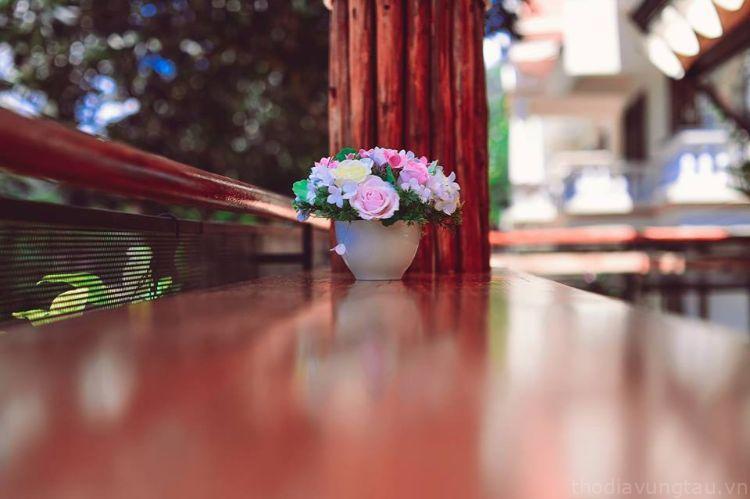 bàn ghế ở Lavie En Rose