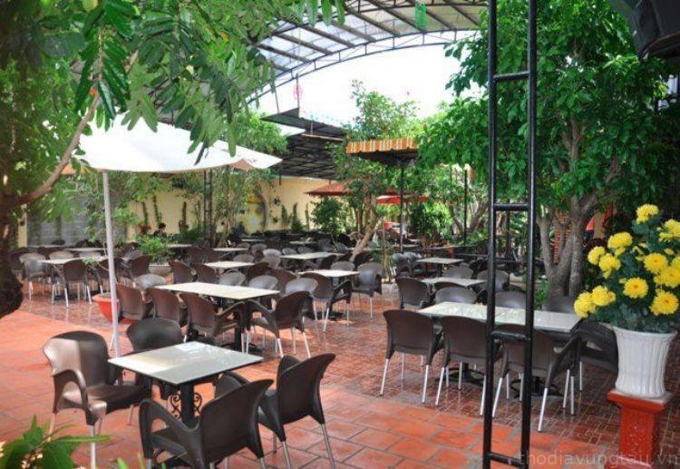 không gian cafe Mimosa