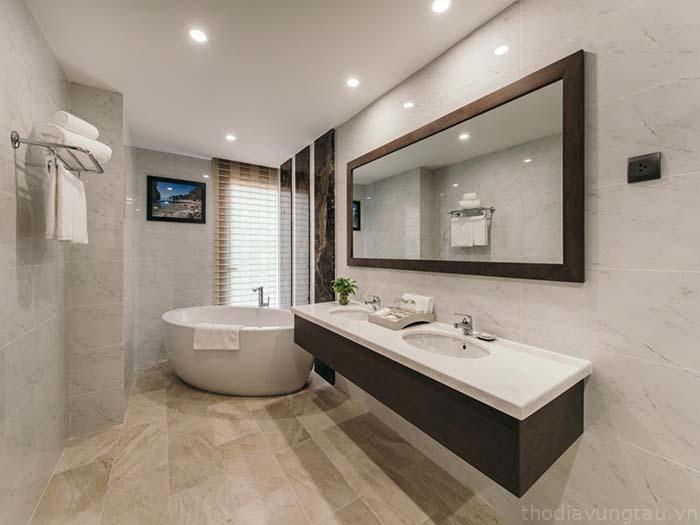 Phòng tắm Malibu Hotel
