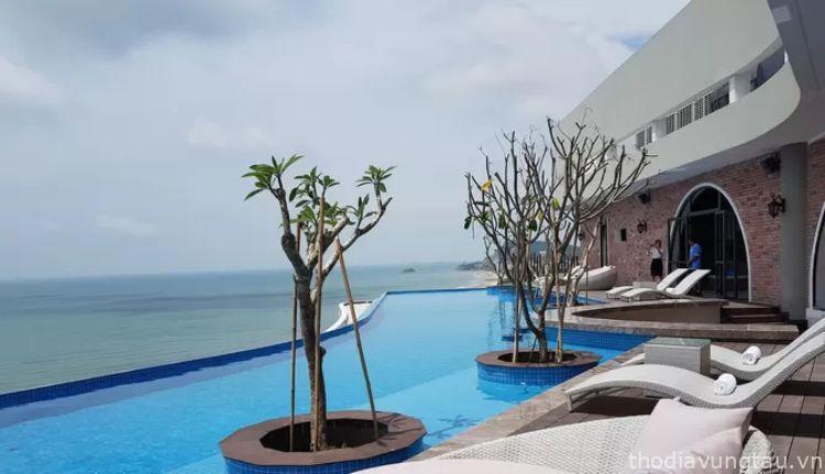 hồ bơi cao hotel