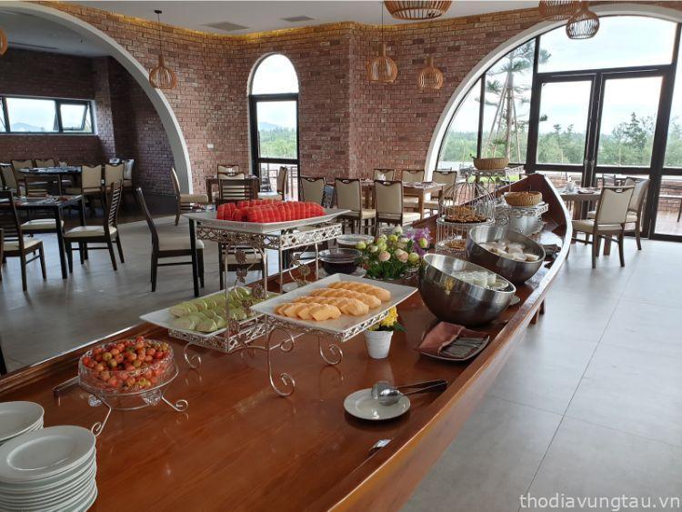 buffet sáng tại cao hotel