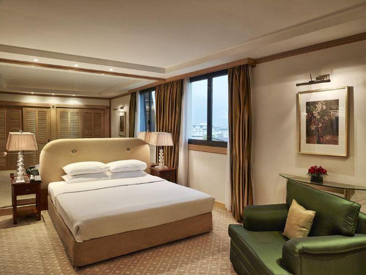 khách sạn hilton opera hà nội
